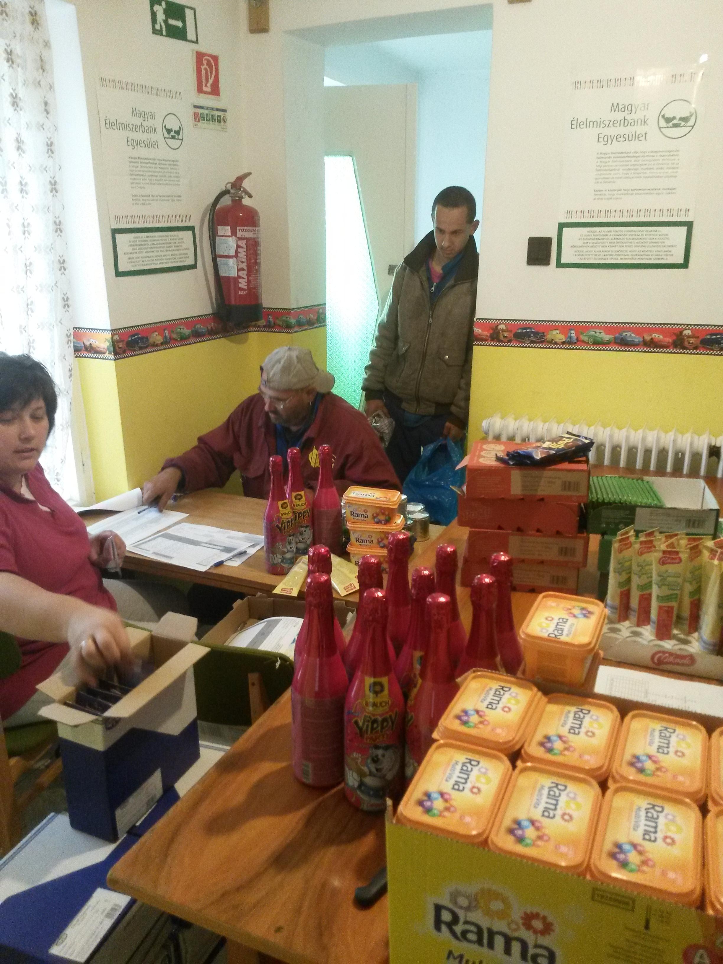 Ünnepi készülődés az Élelmiszerbanktól kapott adományokkal